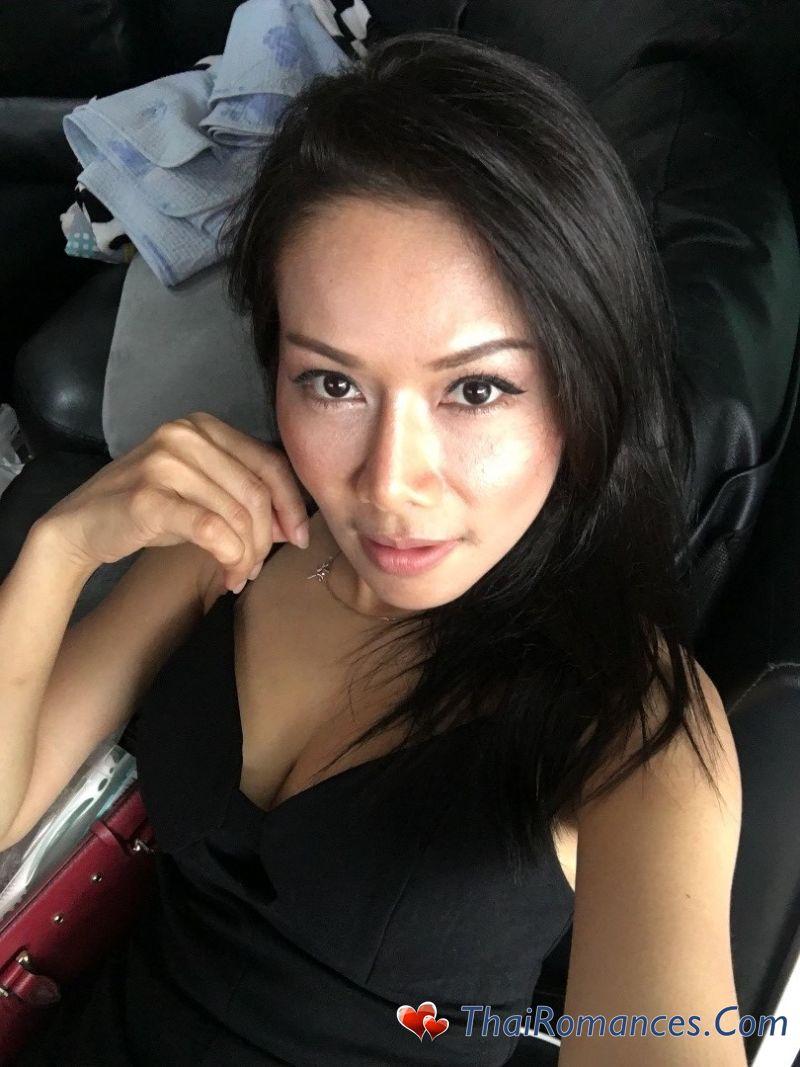 Dating thai girl in thailand